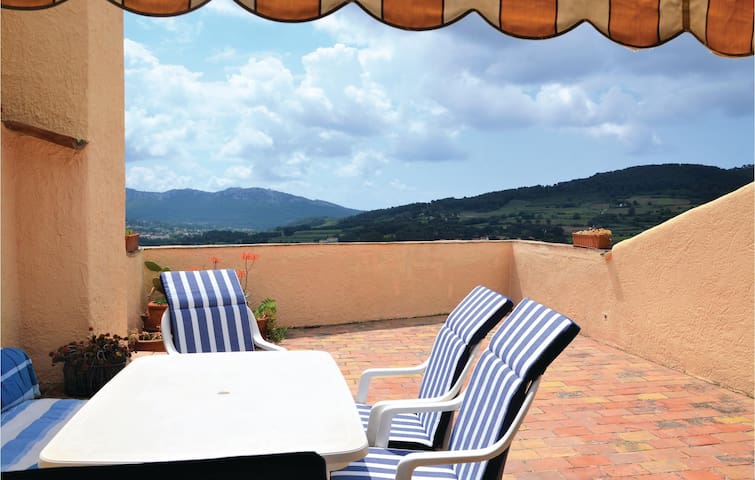 Terraced house with 3 bedrooms on 200m² in La Cadière-d'Azur