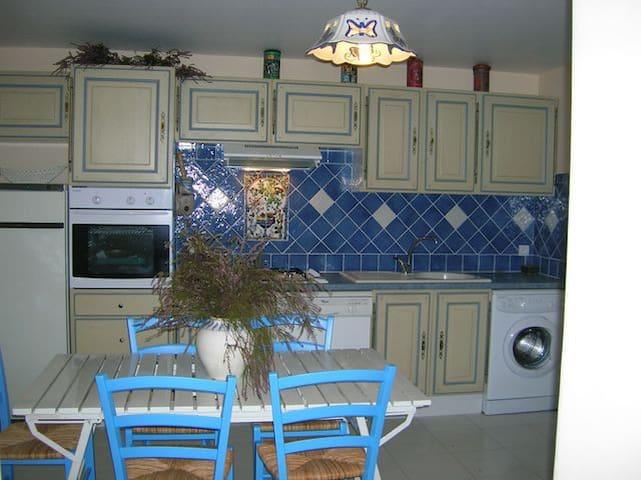 APPARTEMENT TRES CALME dans quartier résidentiel - Rayol-Canadel-sur-Mer - Appartement