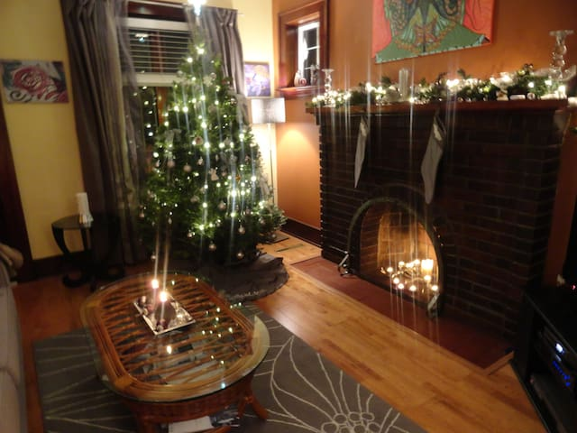 Lovely cozy home in West Kildonan. - Winnipeg - Rumah