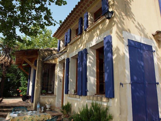 Provence house w. Rhône valley view - Saint-Marcel-d'Ardèche - House
