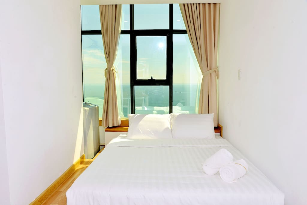 Watching sunrise from the bed is amazing moment/ bedroom 2