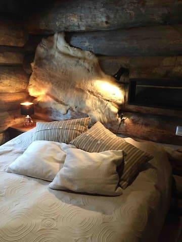 Bedroom #1  Makuuhuone #1