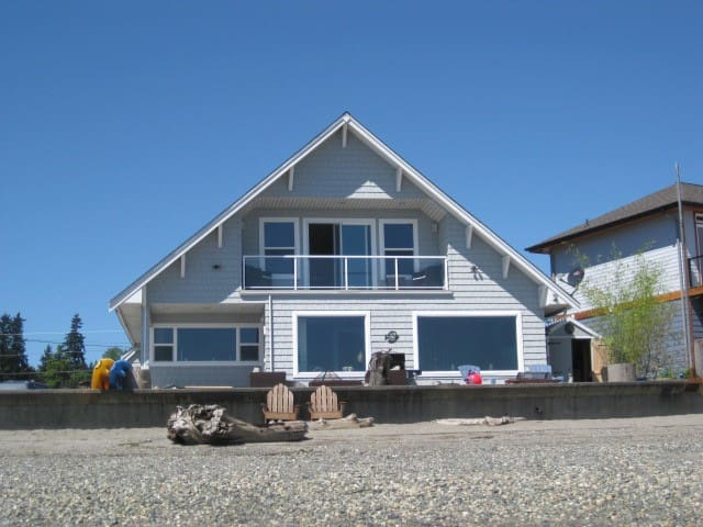 THE BEACH HOUSE on Priest Point - Tulalip - Hus