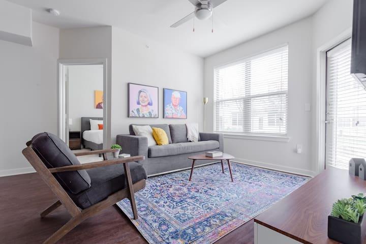Locale | Austin Eastside | Eclectic 2BR/2BA Suite