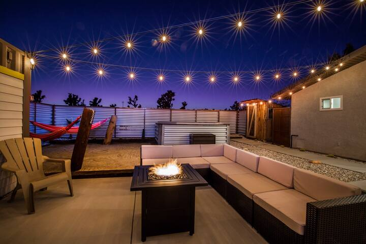 The Outlook // Rooftop Deck, Hot Tub