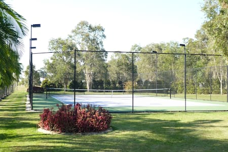 Tennis haven 15 mins from Noosa - Cooroibah - Wohnung