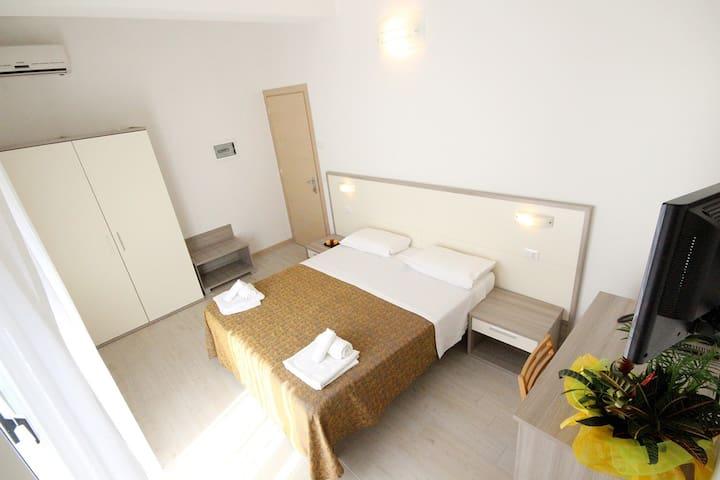 Camera Tripla Sul Porto di Rimini