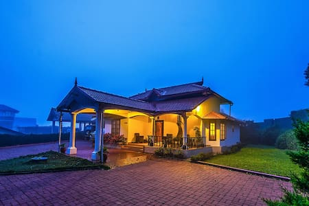 Udaya- 2 bedroom bed&breakfast cottage at Madikeri