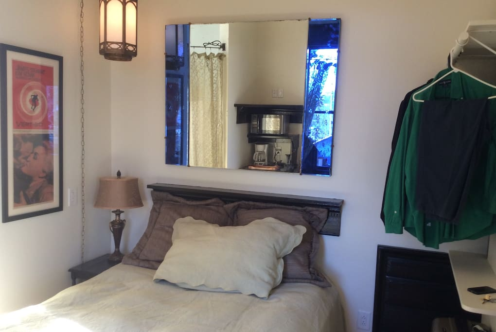Extremely comfortable full bed with cozy and clean linens.  Ample space for clothes, and has a 4 drawer built in.  The room is located at the rear of the home, which gives guests a hideaway from all of the activities of 5 points just a block and a half away.