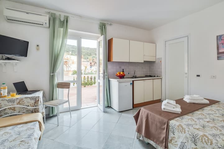 Exquisite studio apartment w/ a kitchenette, shared terrace, & beautiful views