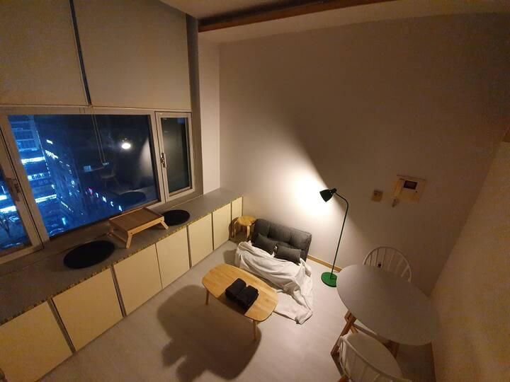[Bucheon] 매일소독! [부천시청,터미널5분] 편안한 복층공간 [순천향대학병원10분]