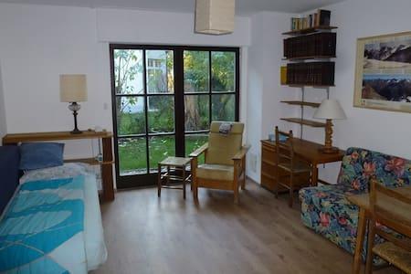 Einliegerwohnung möbliliert - Eichenau - Casa