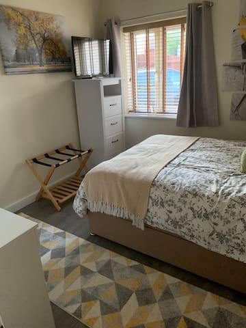 Private room in private annex self contained