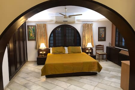INDEPENDENT SUITE/ROOM IN ALKAPURI AREA