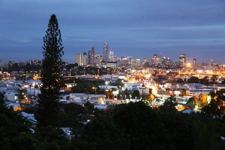 Close City/Airport, own bathroom - Brisbane