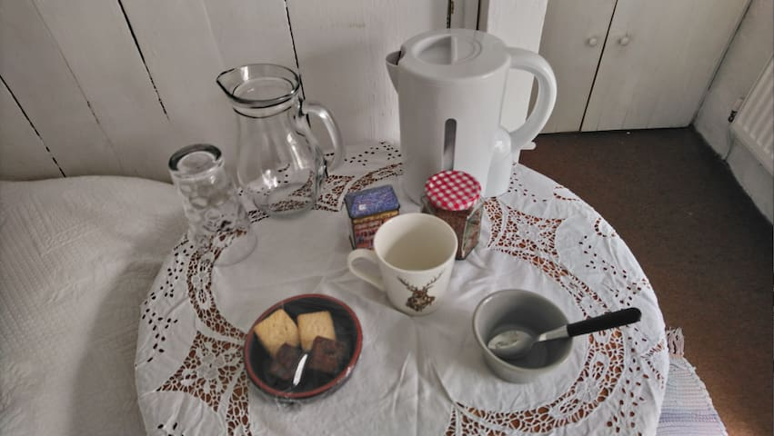 Coffee and tea in the bedroom
