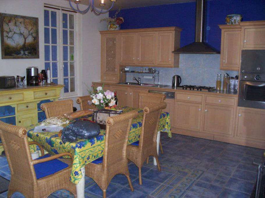 Updated kitchen with everything needed to bring your market buy to feast!
