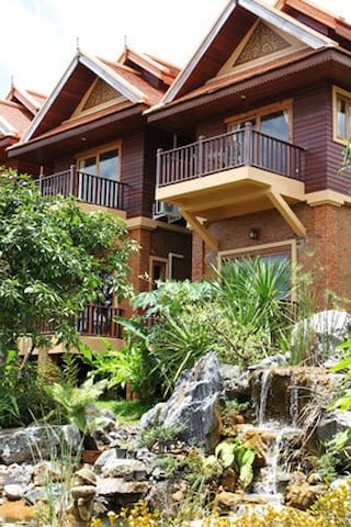 2 Storey Villa suite in  Spa Resort - แม่ริม - บ้าน