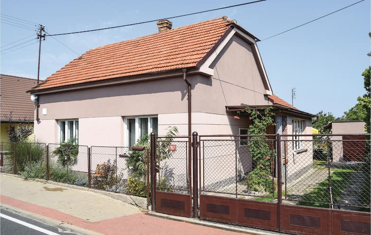 Holiday cottage with 2 bedrooms on 95 m² in Krakovany