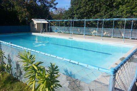 Portway Resort - Calatagan - Chalé