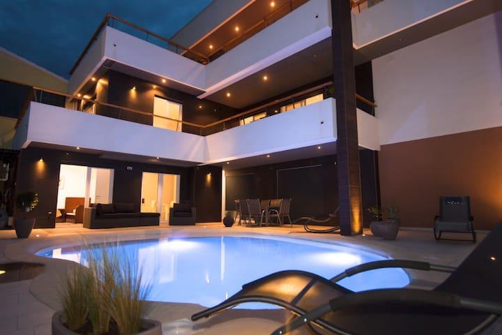 Basic Mansion - Basic Room