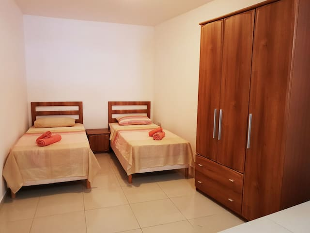 Spacious private room in quiet & safe central area