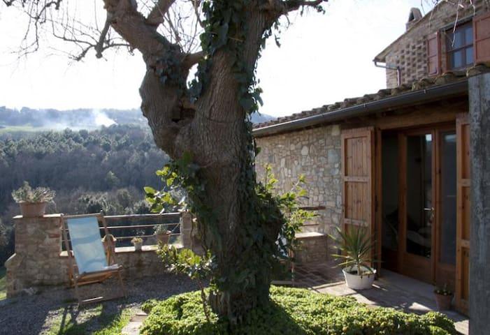 Casa nel cuore della Toscana (€ 49 a notte) - Gambassi Terme - House