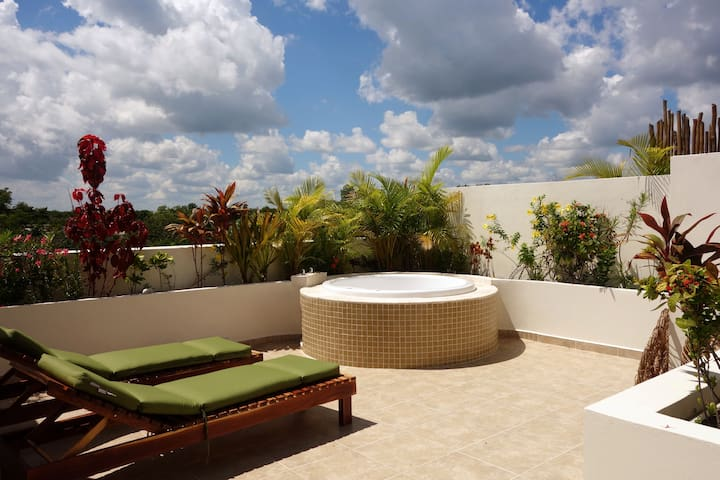 MAY DEALS! Tulum 2BR Penthouse w/ Private Rooftop - Tulum - Condominio
