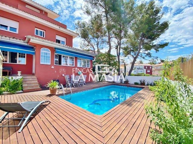Fantástica casa con Piscina en Sitges