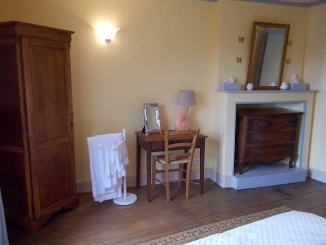 En suite bedroom. View 1