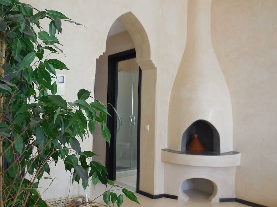 La cheminée marocaine toute en rondeur