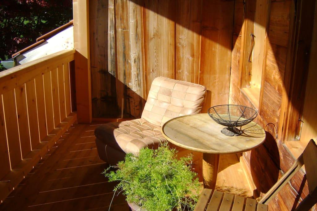 Sonniger Balkon.
