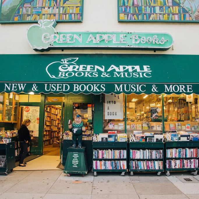 Photo of Green Apple Books in Richmond District