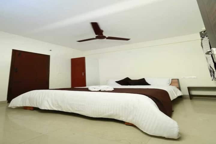 Luxury Room -Tranquil Orchid Serviced Apt