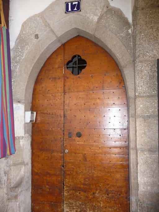 Porte d'entrée de l'immeuble