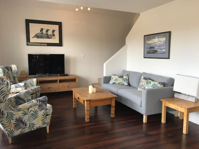 Mariner's Guest House | Walking Distance to Town