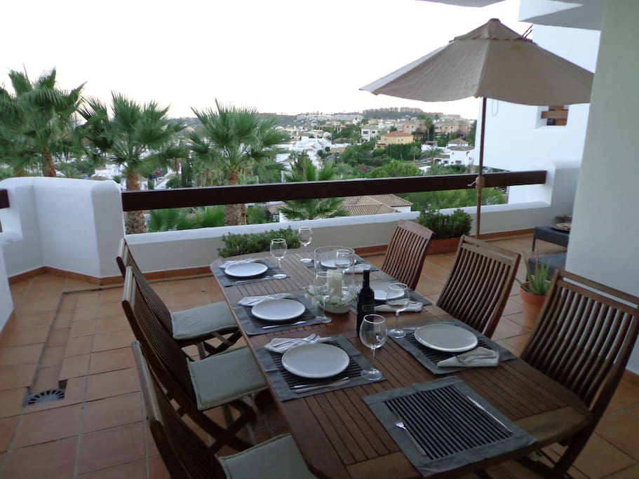 Great feature of this apartment is the year round al fresco dining in the large patio overlooking the Med