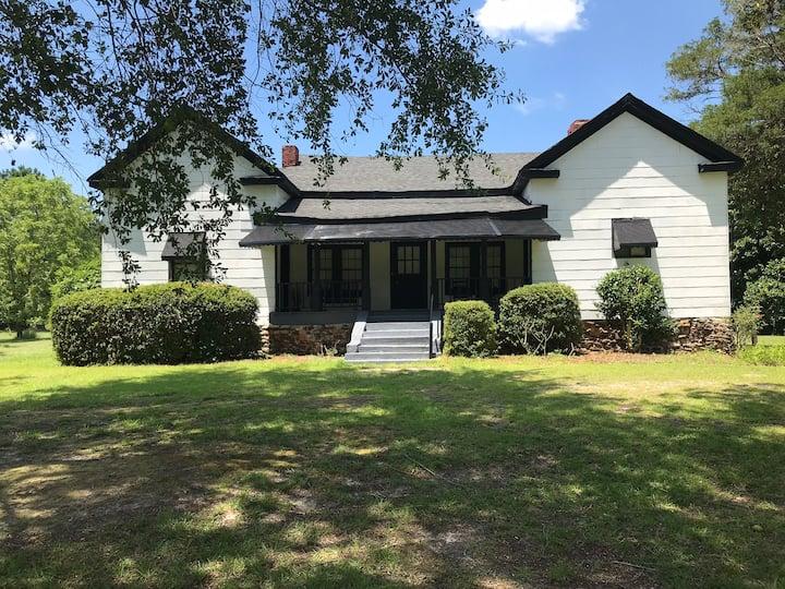 Remote Farm House close to Augusta Ga and Santee