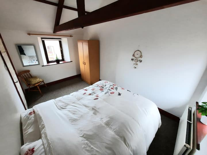 Cosy Cottage Bedroom alongside Hadrian's Wall