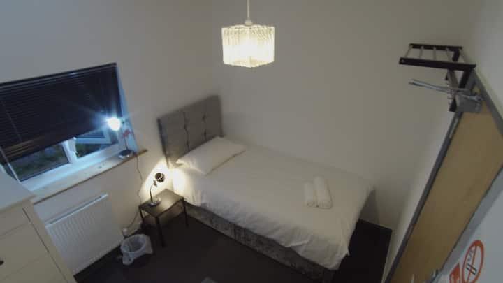 Single Room 85