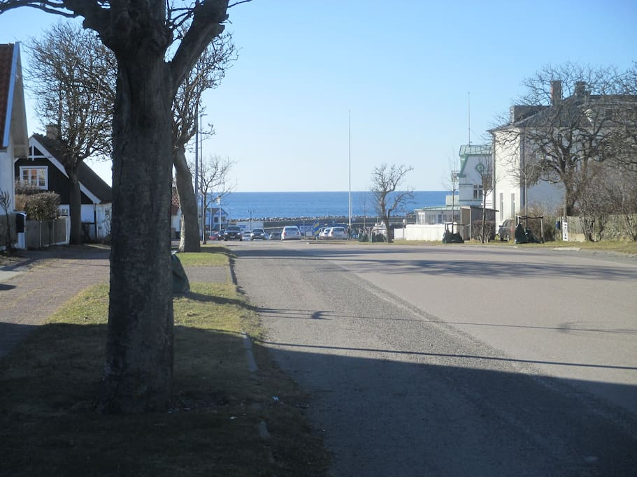Distance to Mölle harbour - 200 meters from the quest house