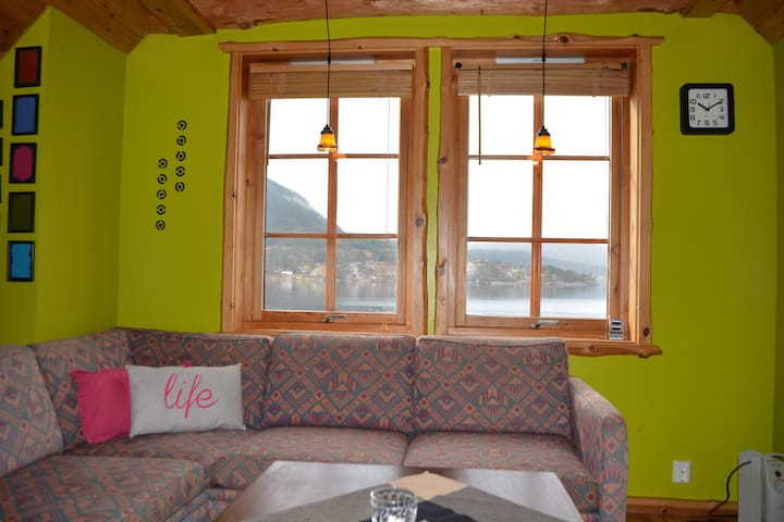 "Best location ""in"" the fjord, close to Pulpit Rock - Jørpeland - Apartamento"