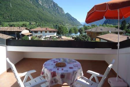 Casa Vittoria V2 - 2 Pers. + 1 Kind - 200m zum See - Crone
