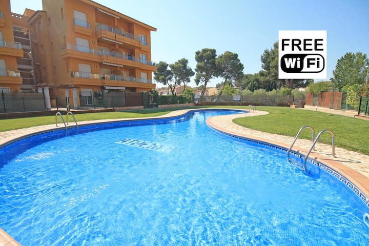 Holiday apartment next to the beach - L'Escala - Appartement