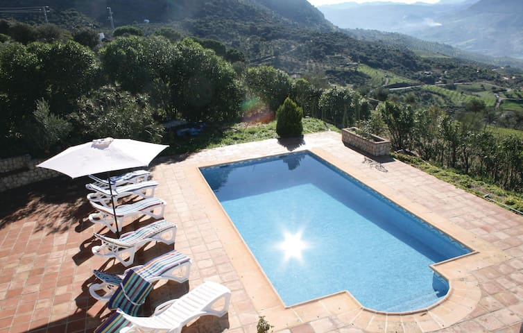 Holiday cottage with 3 bedrooms on 94 m² in El Gastor