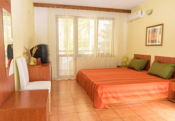 Comfortable double room in Chernomorets by Sozopol