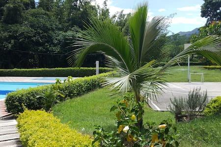 Casa Completa en Guaduas - Ev