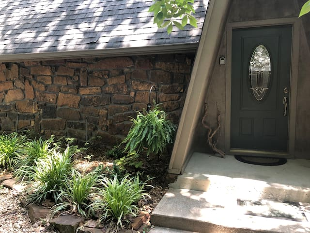 Front door NOTE-lock box code located  left of door