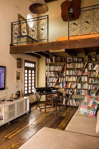 Studio aconchegante bem localizado