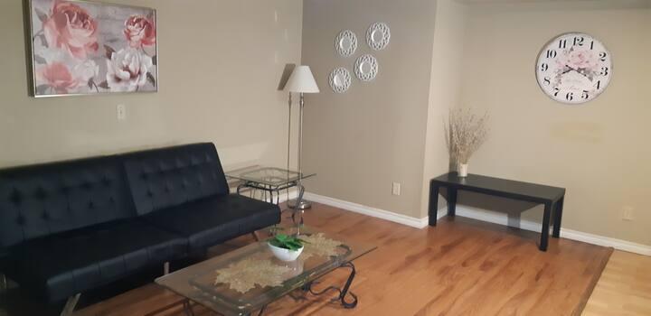 Comfy & Cozy  Private Basement Suite